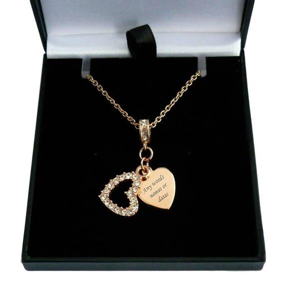 Rose Gold Halskette mit Gravur auf Herz-Anhänger und Kristall Herz über  gravierten Herz 1328ce5984