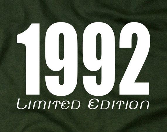 26e anniversaire cadeau cadeau cadeau chemises 1992 t-shirts – 26 chemises sur mesure 26 papa t-shirts 26 cadeau personnalisé de 1992 idée t shirts 26 anniversaire cadeau 164 165e91