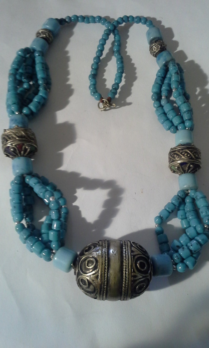 Faux Turquoise /& Silver Metal Multi-Strand Necklace