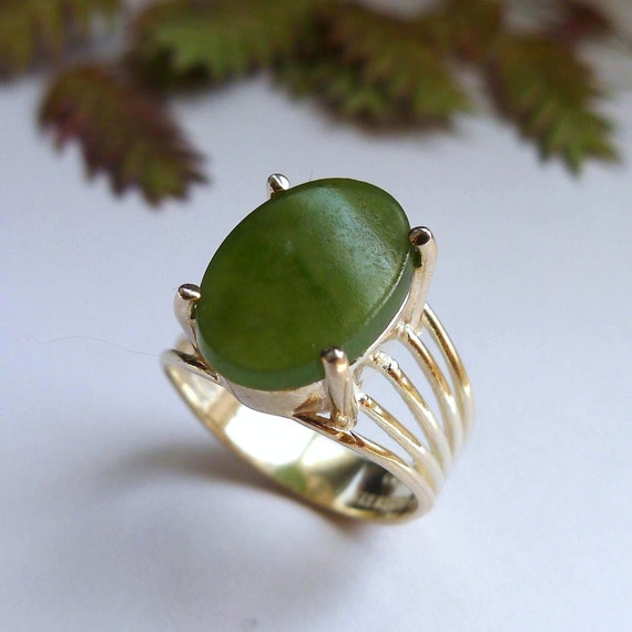 Cabochon Oval Cut Green Onyx Gemstone Sterling Silver Statement Solitaire Ring