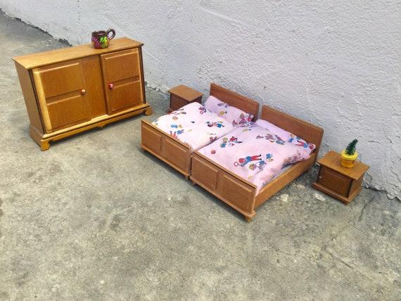 poupée Vintage maison chambre à coucher années 50 original d'Allemagne jouet vintage miniature maison de poupée miniature meuble jouet en bois jeu objet de collection