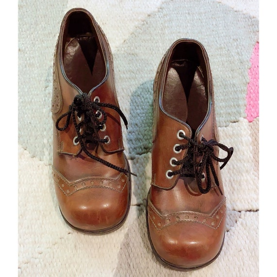 Vintage 60s 70s cognac brown platform heeled oxfor