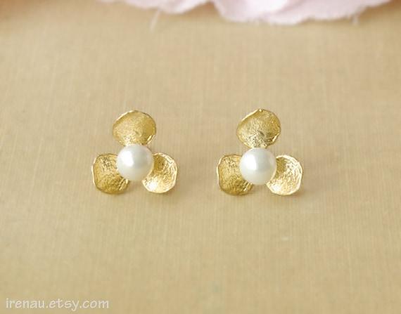 Gold Stud Earrings Pearl Gold Earrings Bridesmaid Gift Pearl Etsy