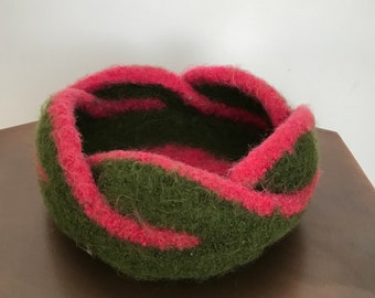 Gorgeous Moebius 5 Petal Knitted & Felted Bowl-Pink/Green