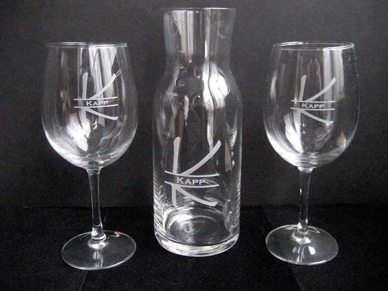 5837a2417e3 Wine Decanter - Engraved Wine Glass Set -Personalized Wine Carafe -  Personalized Wine Decanter - Bridesmaid Gift - Personalized Wedding Gift