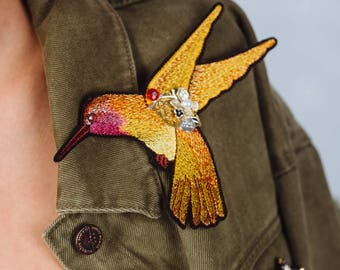 """Embroidered Brooch """"Hummingbird"""" Limited autumn color"""