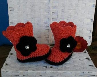 Newborn girl boots, crochet baby girl booties, baby boots, baby booties, baby shoes, winter boots, newborn boots, orange, baby girl boots