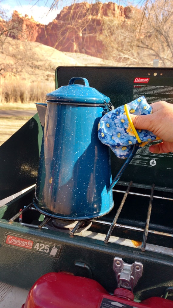 Camp Chef Potholder - Compact Oven Mitt or Potholder for the Camper, RVer, Tailgater, or Home Cook