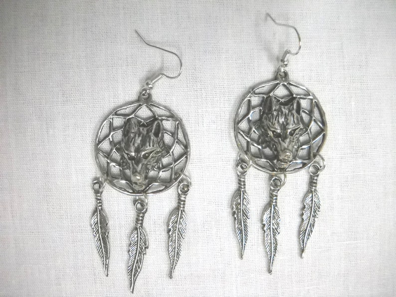 Large Native Raised Head WOLF Spirit Animal DREAM CATCHER & 3 Feathers  Pewter Dangling Wolves Full Pendant Earrings Wildlife Jewelry