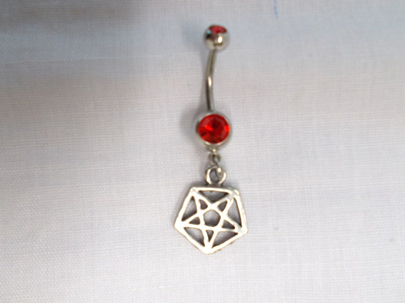 Silver Pewter Evil Satanic Occult Ritual Shaped 5 Point PENTAGRAM Star Charm On Dazzling RED Gem CZ 14g Belly Ring Navel Bar