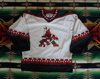 Vintage Phoenix Coyotes Starter Adult Size Medium (M) Sewn White Hockey  Jersey  Flaw  13941fea0