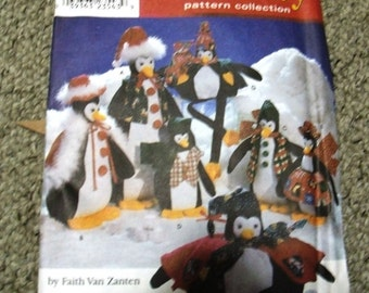 Simplicity Holiday Pattern Penquins #8982 Uncut New