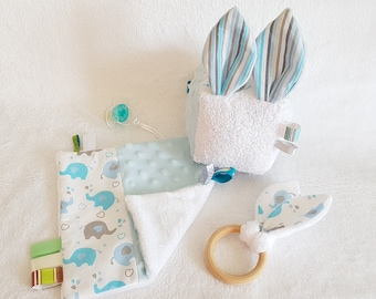 Montessori Elephant Baby Box -- Birth Box -- Montessori Games -- Awakening Cube, Natural Wood Teething Ring and Elephant Flat Blanket