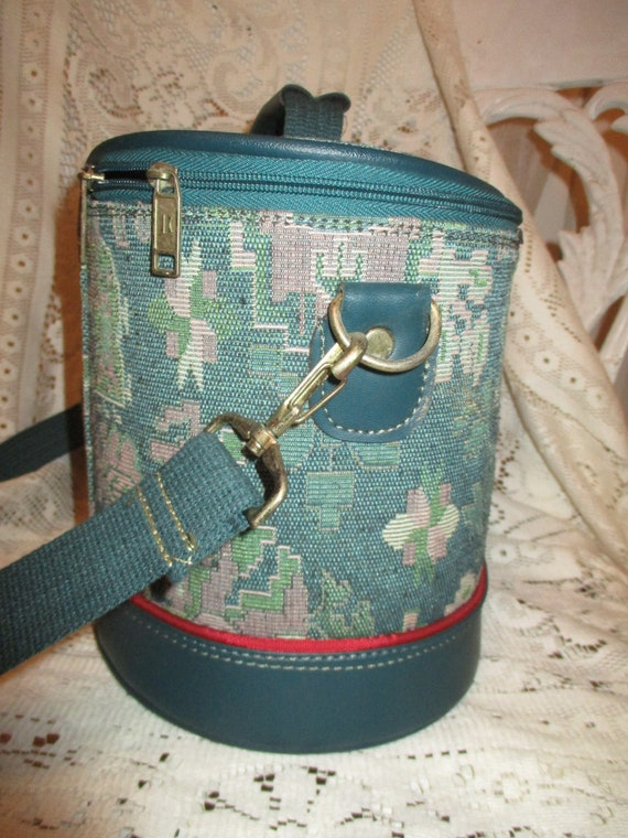 American Tourister tapestry train case - image 6