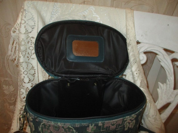 American Tourister tapestry train case - image 8