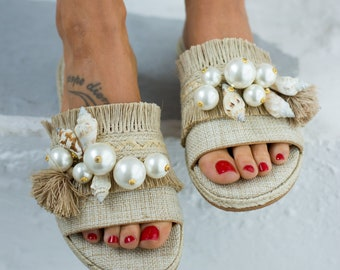 74bc4865be8 Decorated sandals