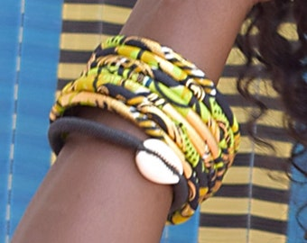 Ankara bangles, ethnic wax jewel in two sizes, matching bracelets in gold/green colors