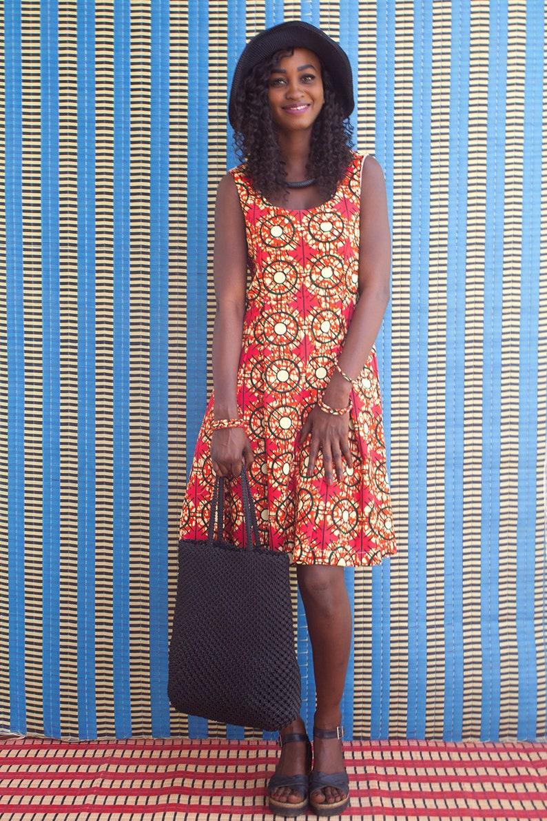 e48c9ac594f Robe en wax Africain robe mi-longue évasée par plis creux et
