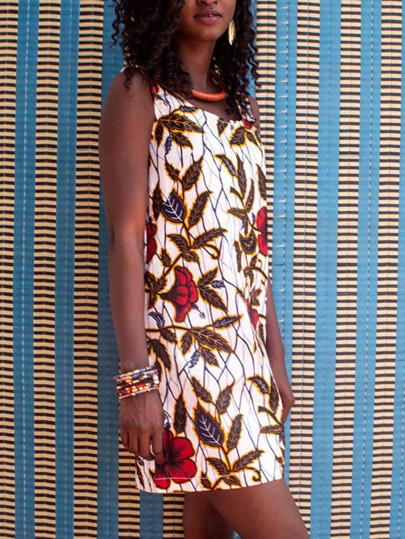 9f8e154227b Robe en wax Africain à fleurs hibiscus robe été sans manche