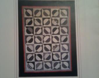 Axis by WonderArc Designs LLC - A High Contrast Quilt Design using the WonderArc Ruler