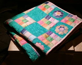 Spring kids quilt with flowers