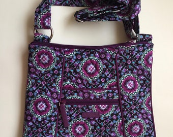 77efdb656458 Fashion Vera Bradley Vintage Iconic Lilac Medallion Hipster New with tag
