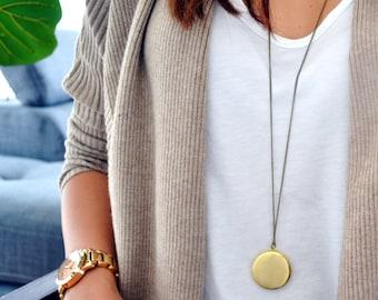 Elegant Vintage Golden Locket - Picture Frame - Minimalist - Long Necklace