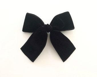 Vintage Velvet Grace Bow ~ Black