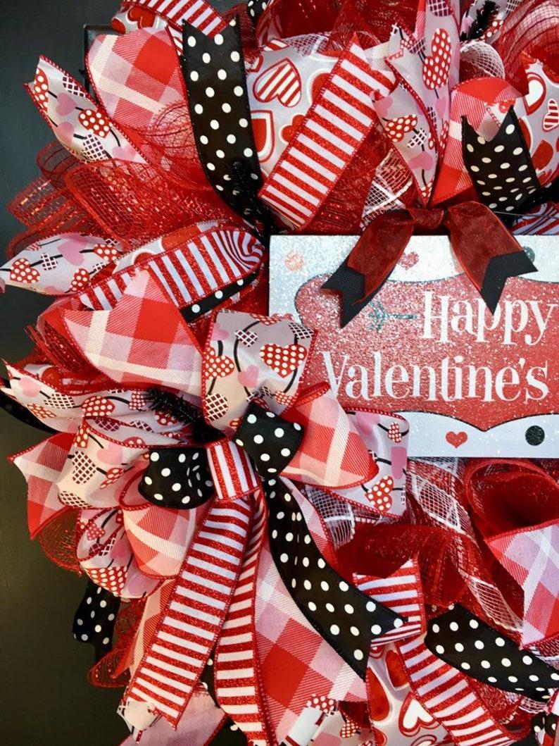 Front Door Wreath Happy Valentine/'s Day Wreath Valentine/'s Wreath Valentine Wreath Heart Wreath Valentine/'s Day Wreath
