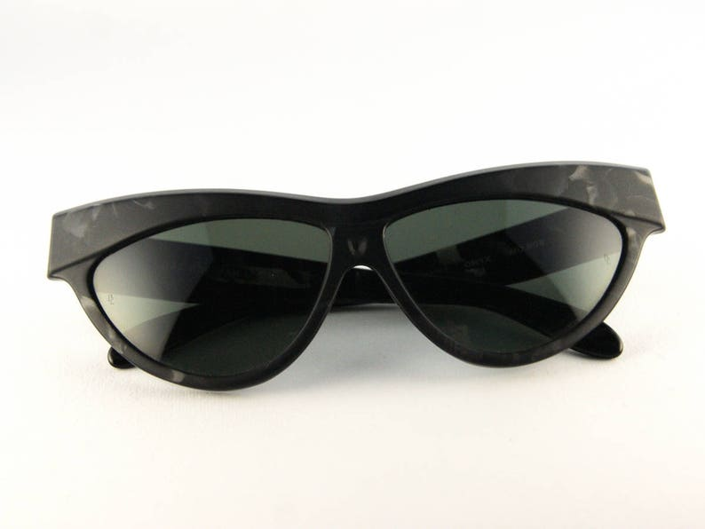 98fbac68117 Ray-Ban ONYX vintage sunglasses Early 90s sunglasses NBW