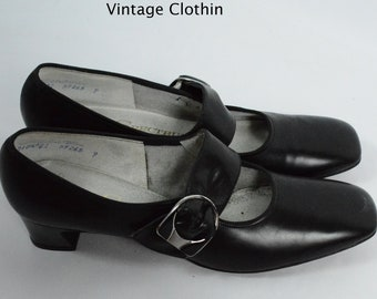 1960s Spectrums by Selby Black Pumps, New Old Stock, 60s Pumps, 60s Shoes, 60s Pumps, 1960s Shoes, Spectrums by Selby Shoes, 1960s Mod Shoes