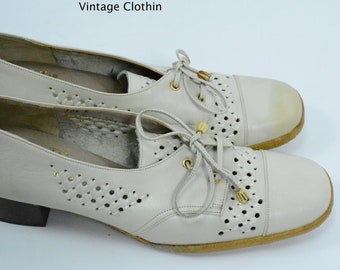 1970s does 1940s Woolf Brothers Bone Oxford Pumps With Crepe Sole,  New Old Stock, 1970s Shoes, 1970s Pumps, Oxfords, Vintage Pumps, Shoes