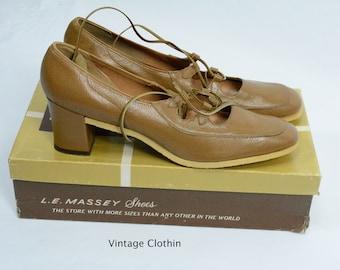1974 Mark Tavenner/ L E Massey Tan Lace Up Pumps with Crepe Sole New Old Stock, L E Massey Shoes, 1970s Shoes, Lace Up Shoes, 1970s Pumps