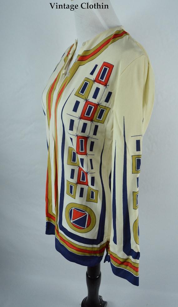 C1960s Ethnic Novelty Print Top, Mod Blouse, Vint… - image 3