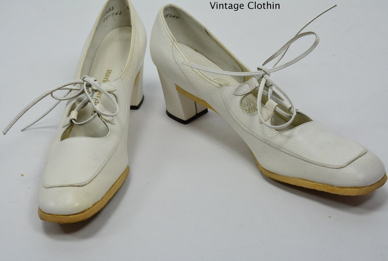 2f06bd800bd 1974 Mark Tavenner  L E Massey White Lace Up Pumps with Crepe