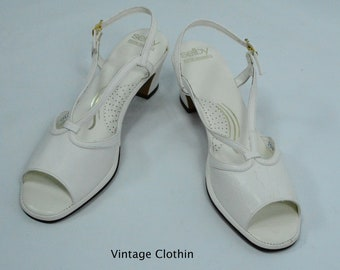 1980's Selby White Peep Toe Sandals, New Old Stock, 1980s Sandals, White Sandals, 1980s White Sandals, 1980s Shoes, Vintage Sandals, Selby