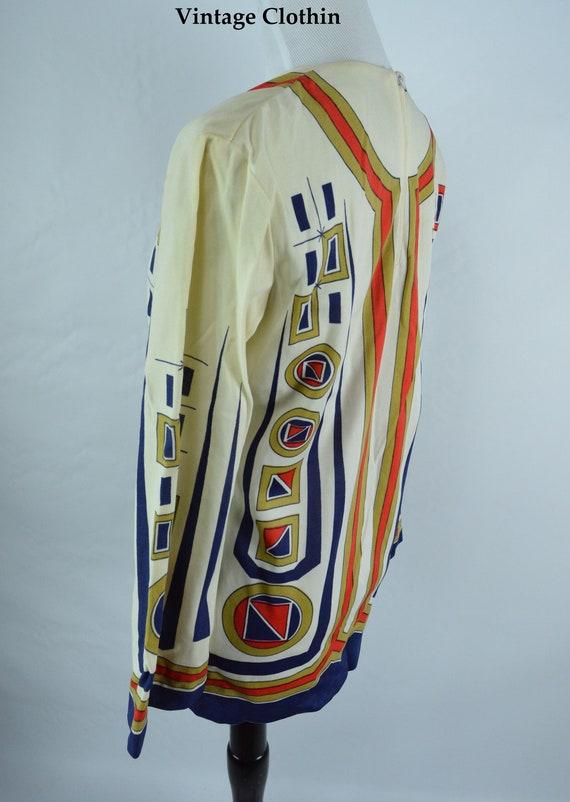 C1960s Ethnic Novelty Print Top, Mod Blouse, Vint… - image 4