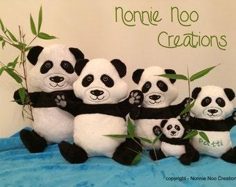 De Panda familie - Machine borduurwerk ITH voor de 4 x 4, 5 x 7, 6 x 10, 7 x 12 en 8 x 14 hoepel - Vp3. Vip, Pes, Hus, Exp, DST, XXX & Jef formaten.