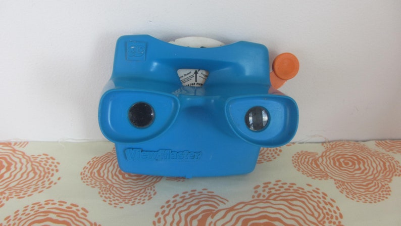 View-Master 3D with 2 reels from 1960s made in Portland U.S.A. Oregon