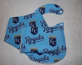 Kansas City Royals bib and burp cloth set, Kansas City Royals, burp cloth set, burp rag set, boy burp cloths, burp cloths, Royals baby,