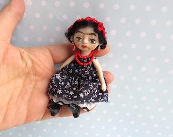 FRIDA Kahlo Doll Brooch. OOAK Art Doll Handsculpt Polymer Clay artist doll