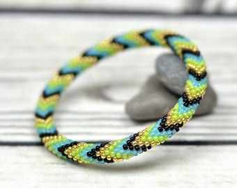Stretch bracelet, Inspiration jewelry, Healing bracelet, Meditation bracelet, Black friday sale, Green jewelry, Yoga bracelet for women