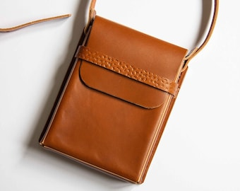 Handmade Vegetable Tanned Leather Box Bag - Tan Colour (LV11c/d)