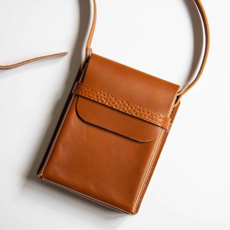 Handmade Vegetable Tanned Leather Box Bag  Tan Colour image 0