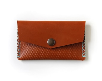 Handmade Vegetable Tanned Leather Pouch - Tan Leather & Jade Thread (LV04a)