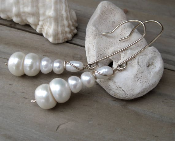 a613db827f620 Long pearl earrings in gold fill, Casual earrings, classic earring, Long  dangle earring, Pearl jewelry, Gift for mothers, Christmas gift