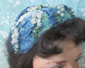 Vintage 1950s Blue & Green Velveteen Juliet Cap Toque Hat