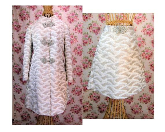 1960s Kiki Hart Silver Lame Suit 60s Swing Coat an
