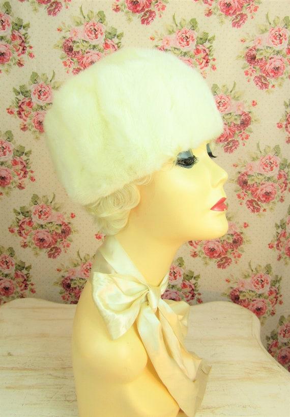 "Vintage 1960's Fur Hat Fits 23"" Head Vintage Whit… - image 8"