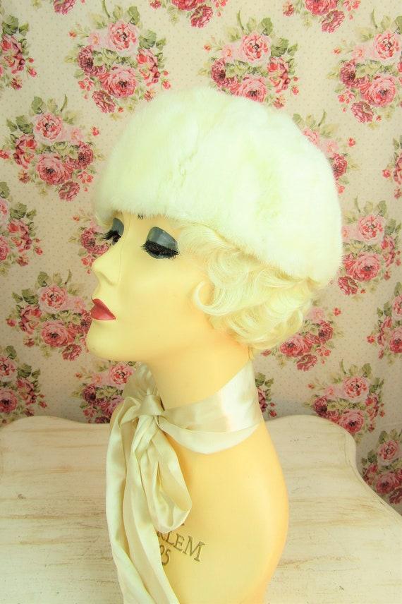 "Vintage 1960's Fur Hat Fits 23"" Head Vintage Whit… - image 5"